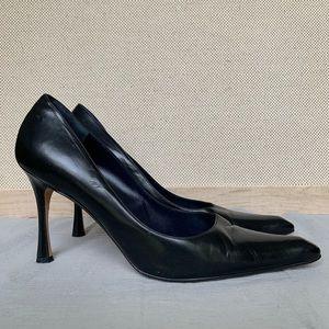 Manolo Blahnik Black Leather Pumps